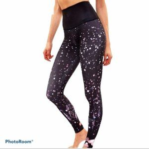 Onzie High Rise Black Graphic Legging Firefly XS
